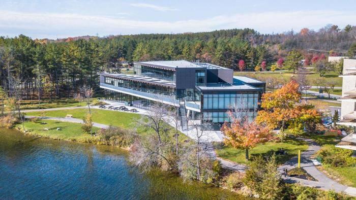 2021 International Entrance Scholarships at Trent University, Canada
