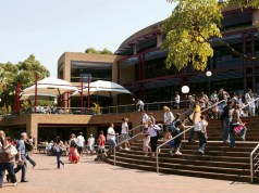 Academic Merit Scholarships At University Of Wollongong - Dubai
