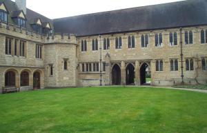 Study In UK: HAPP Scholarships At St Cross College