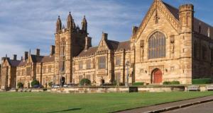 Health Dean's Scholarships At University Of Technology Sydney - Australia