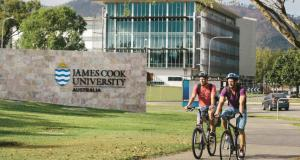 Richard Hays Foundation Dean Of Medicine Bursary At James Cook University - Australia