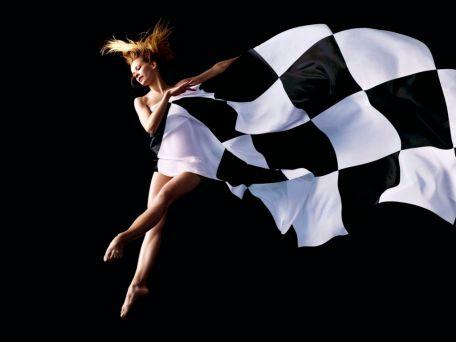 chess-dress-wallpaper__yvt2