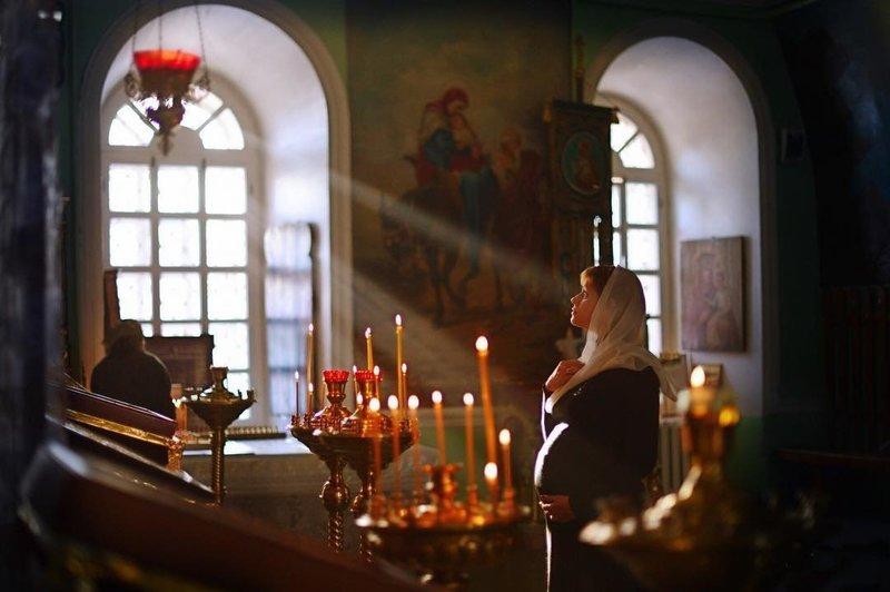 Молитвы и молебны о беременности и благополучных родах