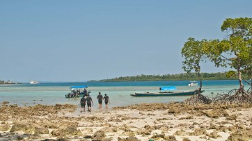 Going for scuba diving Sea of Havelock