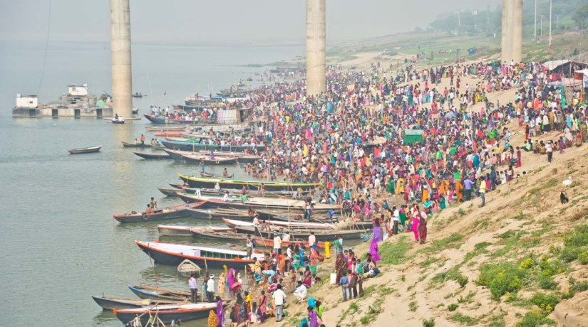 People on Other side of Ganga River