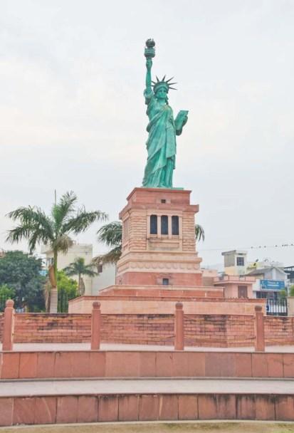 Statue of Liberty at Seven wonder Park kota