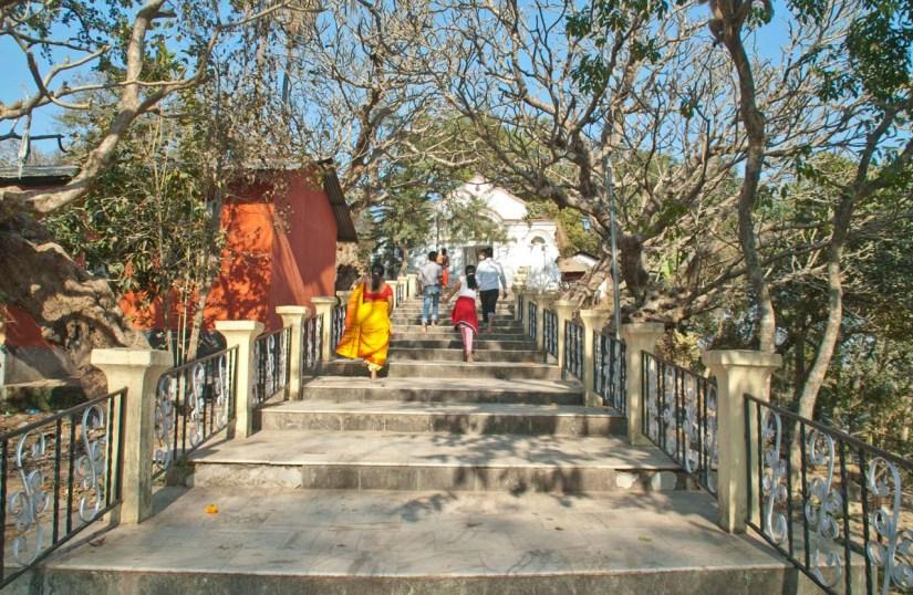 Way to Umananda Temple in Bhramaputra river Guwahati