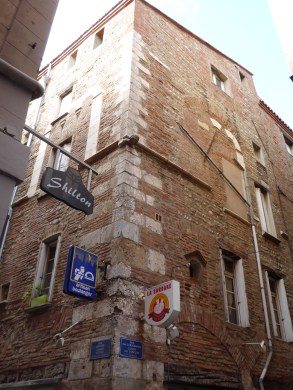 Perpignan, belle maison au long passé, les transformation sont visibles sur la façade