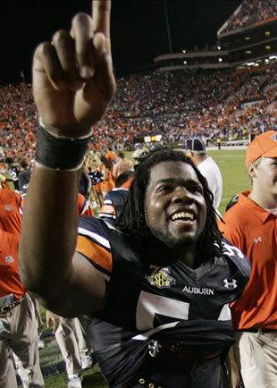 Auburn DE Quentin Groves is all smiles after an Auburn come-from-behind win.  WAR EAGLE!