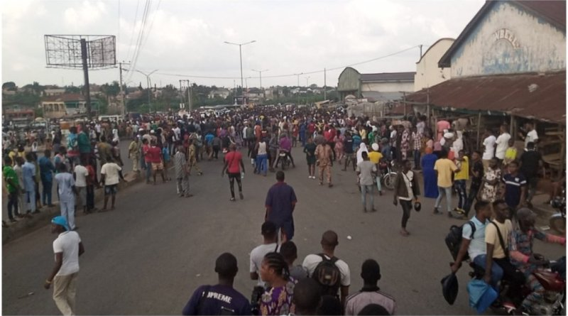 Hoodlums Burst Into Private Warehouse, Loot Electronics, Valuable Goods In Osun