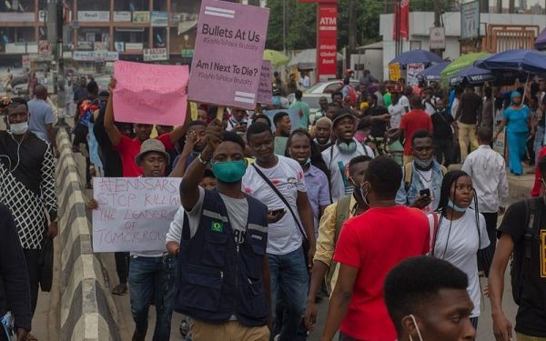 Police Assault And Disperse Protesters in Lagos