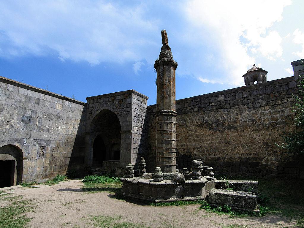 """Μοναστήρι Tatev """"Wand"""""""