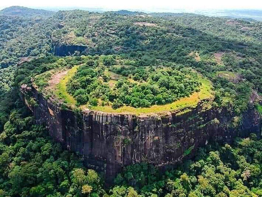 Столик на гору Данигала, также известную как Гора Чужих