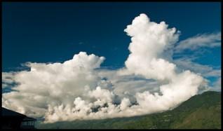hills-cloud