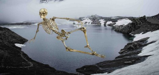 mysterious place -Roopkund - Skeletons lakh