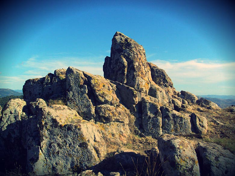 驚異のコキノ天文台ー古代の巨石遺跡、聖山