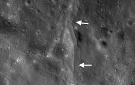La atracción de la Tierra está «encogiendo» a la Luna