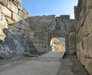 Puerta de los Leones, yacimiento arqueológico de Micenas, península del Peloponeso.