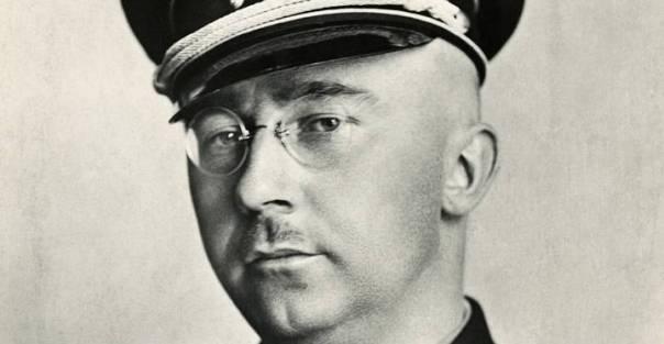 Himmler gestionó la orden de la matanza metódica y sistemática de millones de judíos, polacos, católicos, gitanos, homosexuales, comunistas, testigos de Jehová, enfermos mentales, entre otros, muchos de los cuales fueron usados en experimentos.