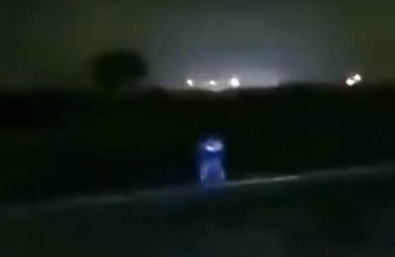 Resultado de imagen de Filman a supuesta entidad extraterrestre en una carretera de Pachacámac, Perú