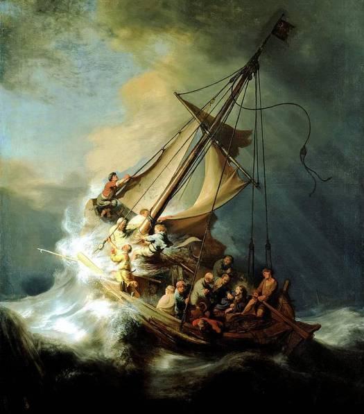 «Y le dijeron: ¿Qué haremos contigo para que el mar se nos aquiete? Porque el mar se iba embraveciendo más y más. Él les respondió: Tomadme y echadme al mar, y el mar se os aquietará; porque yo sé que por mi causa ha venido esta gran tempestad sobre vosotros». JONÁS 1, 11-12.