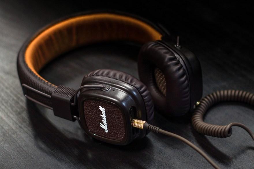 headphones audiobook Its Las Vegas