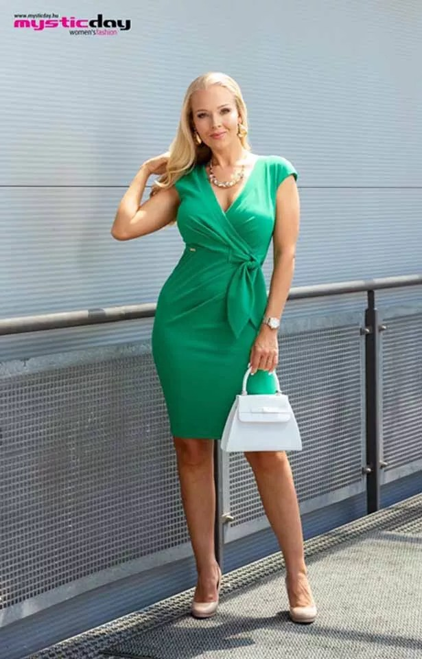 0365(1) Mystic Day Betty zöld ruha