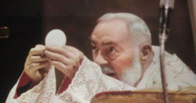 Seven Minutes with Padre Pio Mesmerizing Video, Rare Photographs
