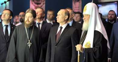 "Putin's Warns: ""How do you not understand that the world is being pulled in an irreversible direction? ""  ..Head of Russian Orthodox Church talks of  ""end of the world is near"" … Tells Putin events ""Already visible to the naked eye"""