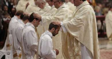 Report: Pope to Consider Married Priests