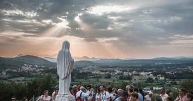 "Medjugorje : ""Already only the rosary can do miracles in the world and in your life"""