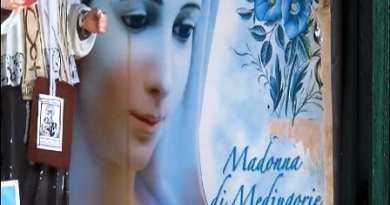 The Madonna of Medjugorje is crying in Italy in the province of Avellino.  A miracle is cried out..Local Bishop to Investigate