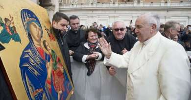 Pope Francis: Mary Helps Christians Enter Heaven Through the 'Narrow Gate'