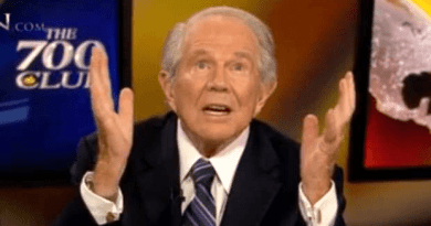 PAT ROBERTSON WARNS TRUMP…May Lose 'The Mandate of Heaven' Over Decision to Remove Troops from Syria