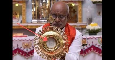 The face of Jesus appears on a consecrated host in India. The photos leave no doubt!