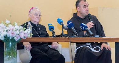 "Medjugorje: Msgr. Hoser, Vatican Envoy,  ""After 40 years of controversy, the situation is now improving"" ""Come and see."""