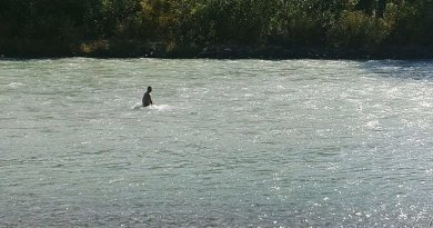 "Heartbreaking – Daughter disappears in river – Father dives in water everyday looking for her -""I can't stay home and wait."""