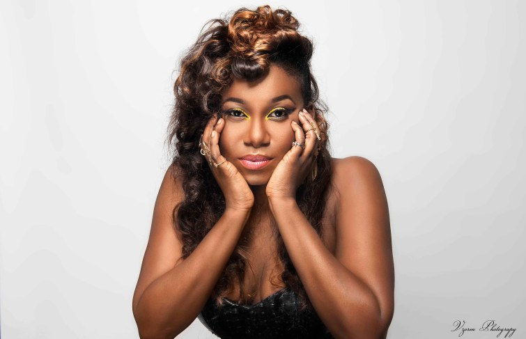 STRAIGHT UP WITH  NINIOLA