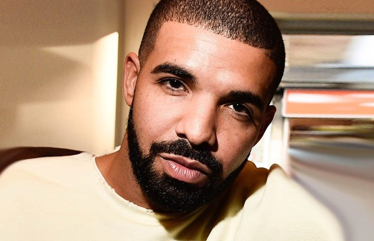 Drake Footage Kissing A 17-Year-Old Fan – The Mix Reaction