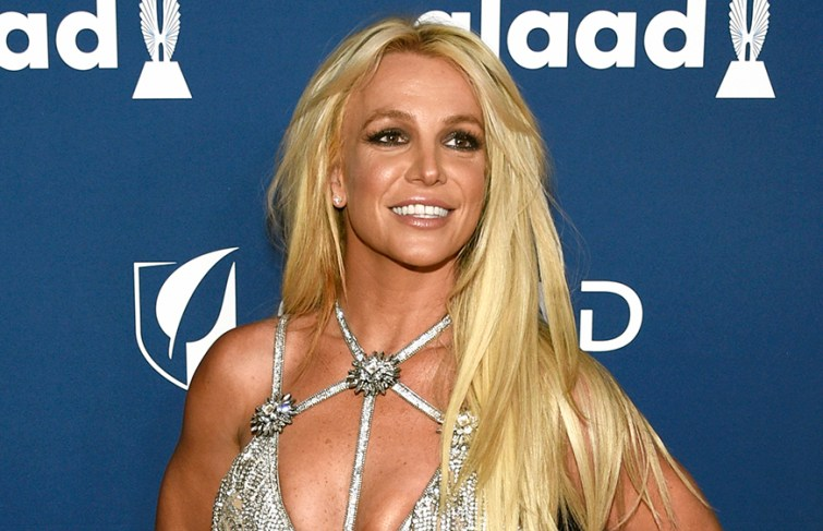 Britney Spears Sends Warning Message To Paparazzi And Fans