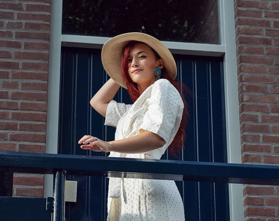 summer outfit white dress and hat