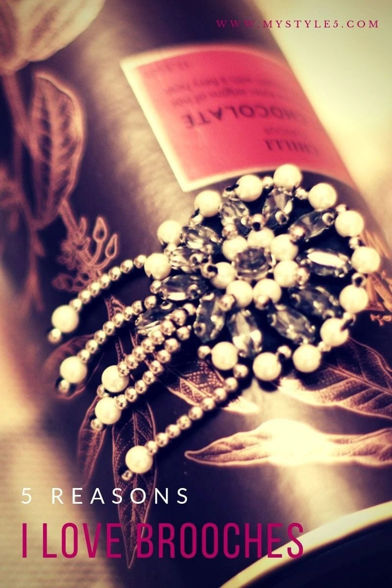 5 reasons I love brooches