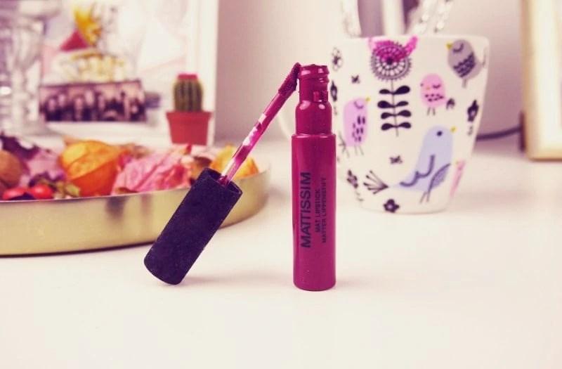 wine coloured lipstick for fall.jpg