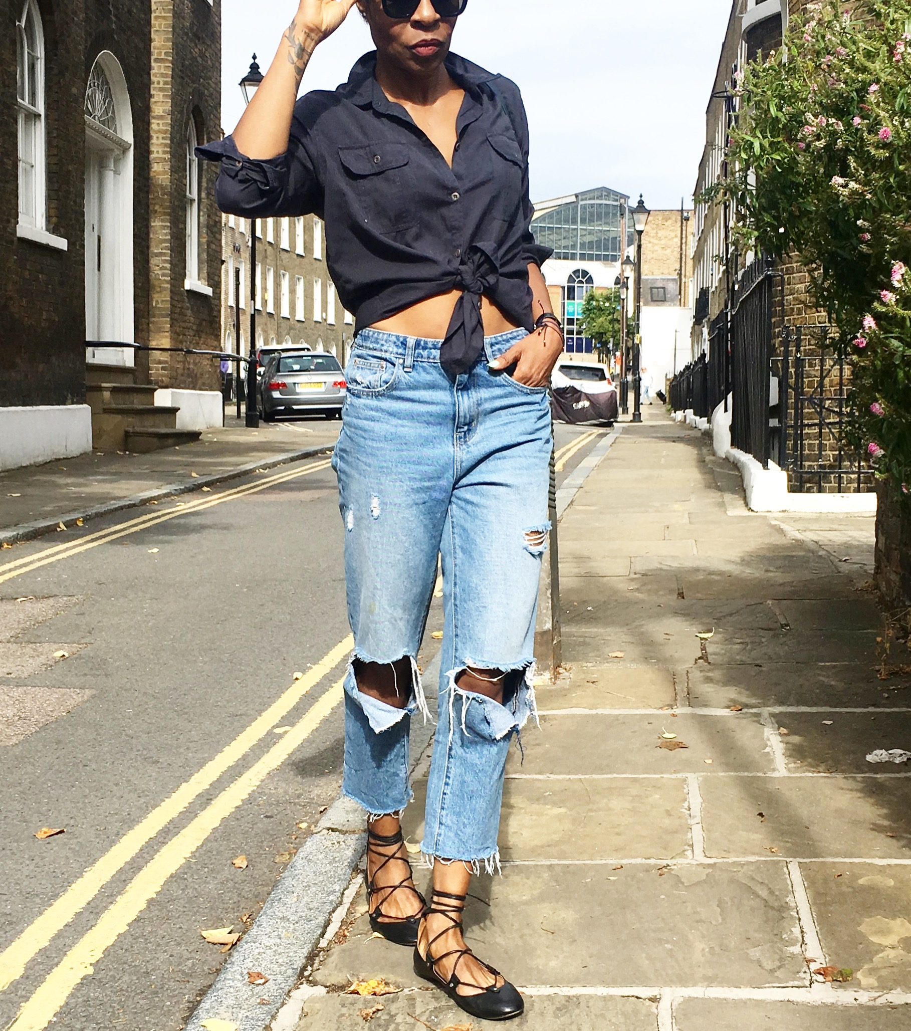 6c4f779390 What Shirts To Wear With Ripped Jeans | Top Mode Depot