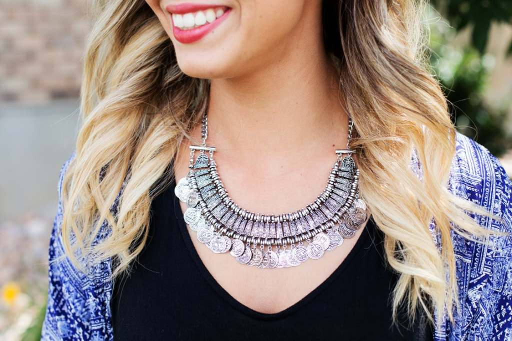 Rules For Wearing Statement Jewelry That Every Girl Should Know