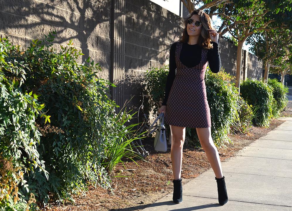 Karla Vargas, Fall Style, Stylist, Fall Style, San Francisco Blogger, Bay Area blogger, blog, blogger de moda, Michael Kors bag, San jose style blogger, blog de moda, mexican blogger, Style Blogger, Preppy dress, black blouse, Bay Area style blogger, blog, Bay Area Blogger, Mexican, Ray Ban Glosses, How to wear a preppy dress