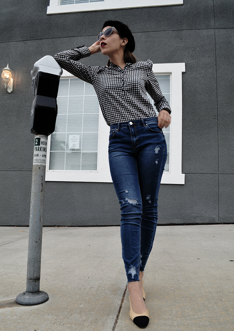 KarlaVargas-MyStylosophy-Gingham-BlackBeret-SanDiegoStyleBlogger-MyStyle-Howto-FrenchStyle-HowTo-Jeans-SanDiegoStreets
