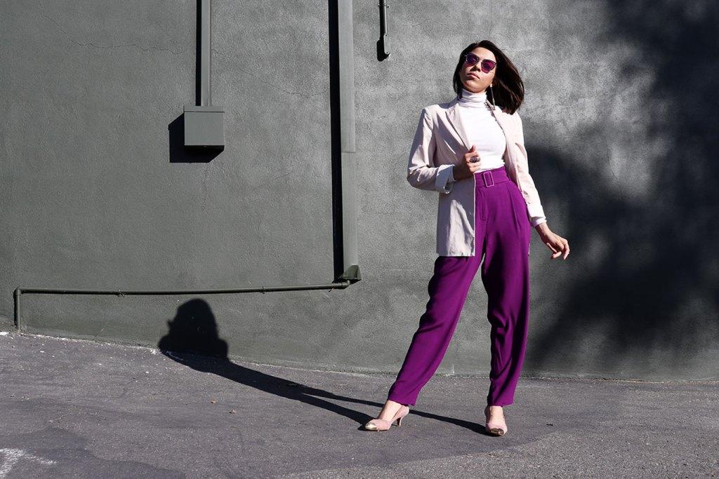 HowToWear-PantalonesMorados-PurplePants-70slook-70sStyle-80sStyle-KarlaVargas-MyStylosophy-StatementEarrings-WomenBlazer2018-womenblazertrend