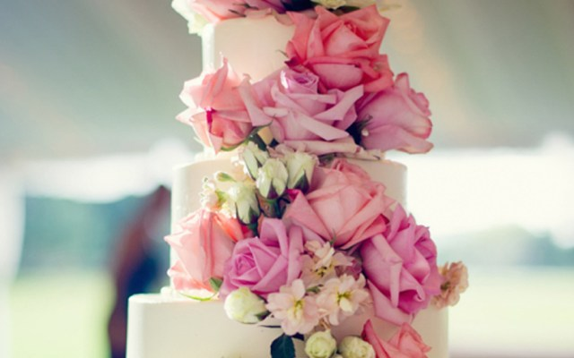 15 Extraordinary Wedding Cakes for All Wedding Styles