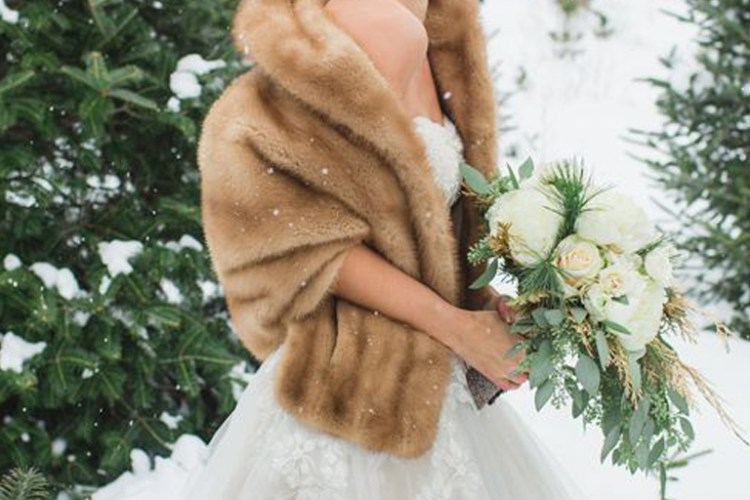 10 Gorgeous Cover Ups to Keep the Bride Warm and Stylish this Winter